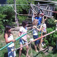 Kinder bauten Riesenmurmelbahn in Graz