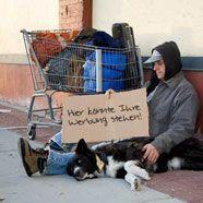 Obdachlose als singende Litfaß-Säulen
