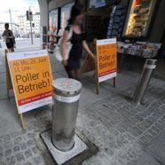 Autofahrer fuhr in Salzburg trotz Ampel Poller nieder