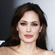 Angelina Jolie duscht nie alleine