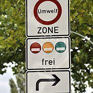 Viele rechtswidrige Verkehrszeichen bleiben aus Personalmangel stehen