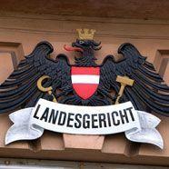 Tiroler missbrauchte behinderte Töchter: Strafe gemildert