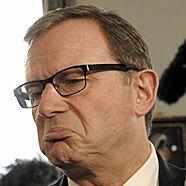 Wehrpflicht – ÖVP droht Darabos