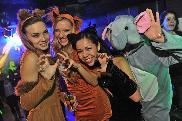 Mit originellen Kostümen ist im Fasching in Wien Fun garantiert
