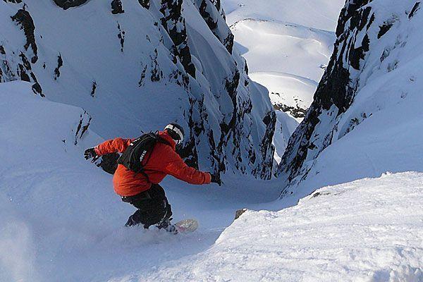 Kann bei Leichtsinn zur tödlichen Falle werden: das Fahren im freien Skigelände.