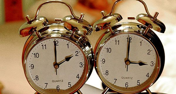 Dass durch die Zeitumstellung Samstagnacht an der Uhr gedreht wird, stört hauptsächlich die FPÖ