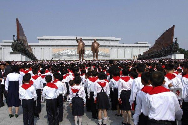 Schon die Kleinsten werden in Nordkorea auf die Führung eingeschworen.