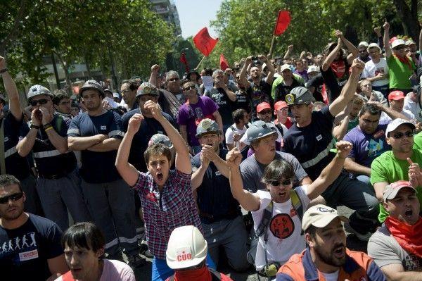 Spanien: Wut auf den Straßen wächst.