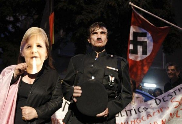 Merkel schon des öfteren von Griechen mit Hitler verglichen
