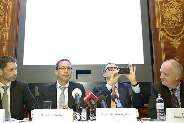 Anwälte gaben Pressekonferenz