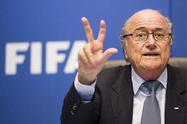 Blatter versucht Wahlversprechen einzulösen