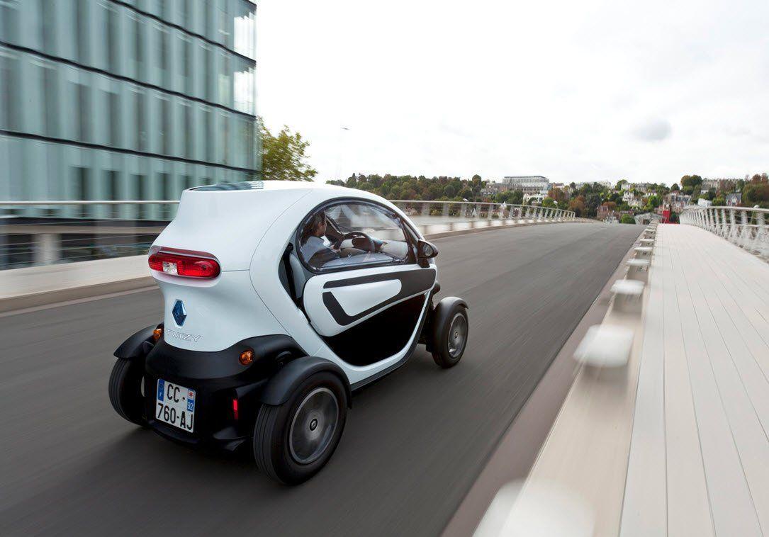testbericht renault twizy eine fusion aus auto und motorrad vienna at. Black Bedroom Furniture Sets. Home Design Ideas