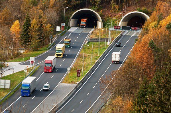 Auf der A10 bei Hüttau kam es zu dem Unfall.