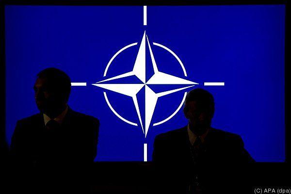Die NATO will dem Irak unter die Arme greifen