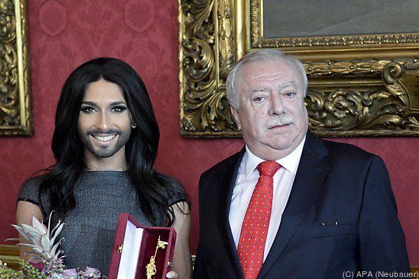 Goldener Rathausmann für Conchita Wurst