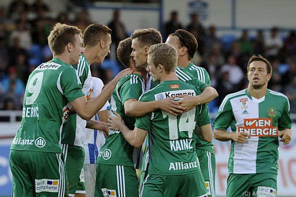 Jubel in in Grün-Weiß über ersten Auswärtssieg