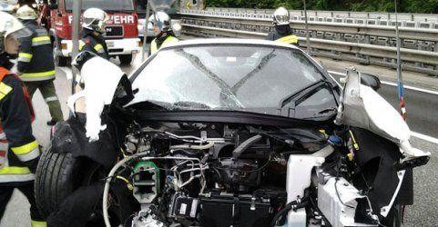 Unfall mit Luxus-Sportwagen auf der S6 in Niederösterreich