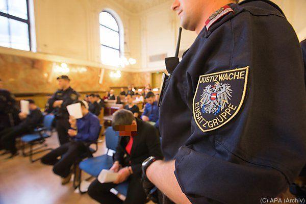 Angeklagte im Landesgericht Salzburg