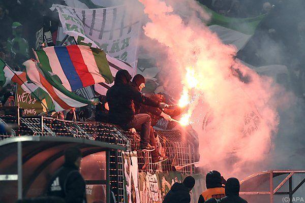 Pyrotechnik auch beim Admira-Match eingesetzt