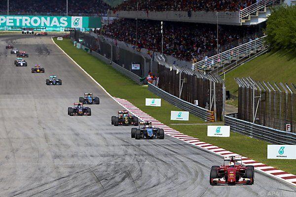Und plötzlich lag Vettel wieder vorne...