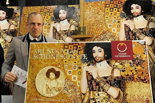 "Conchita Wurst als Gustav Klimts ""Goldene Adele""."