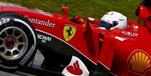 Sensation in Sepang - Vettel holt den Sieg vor beiden Silberpfeilen