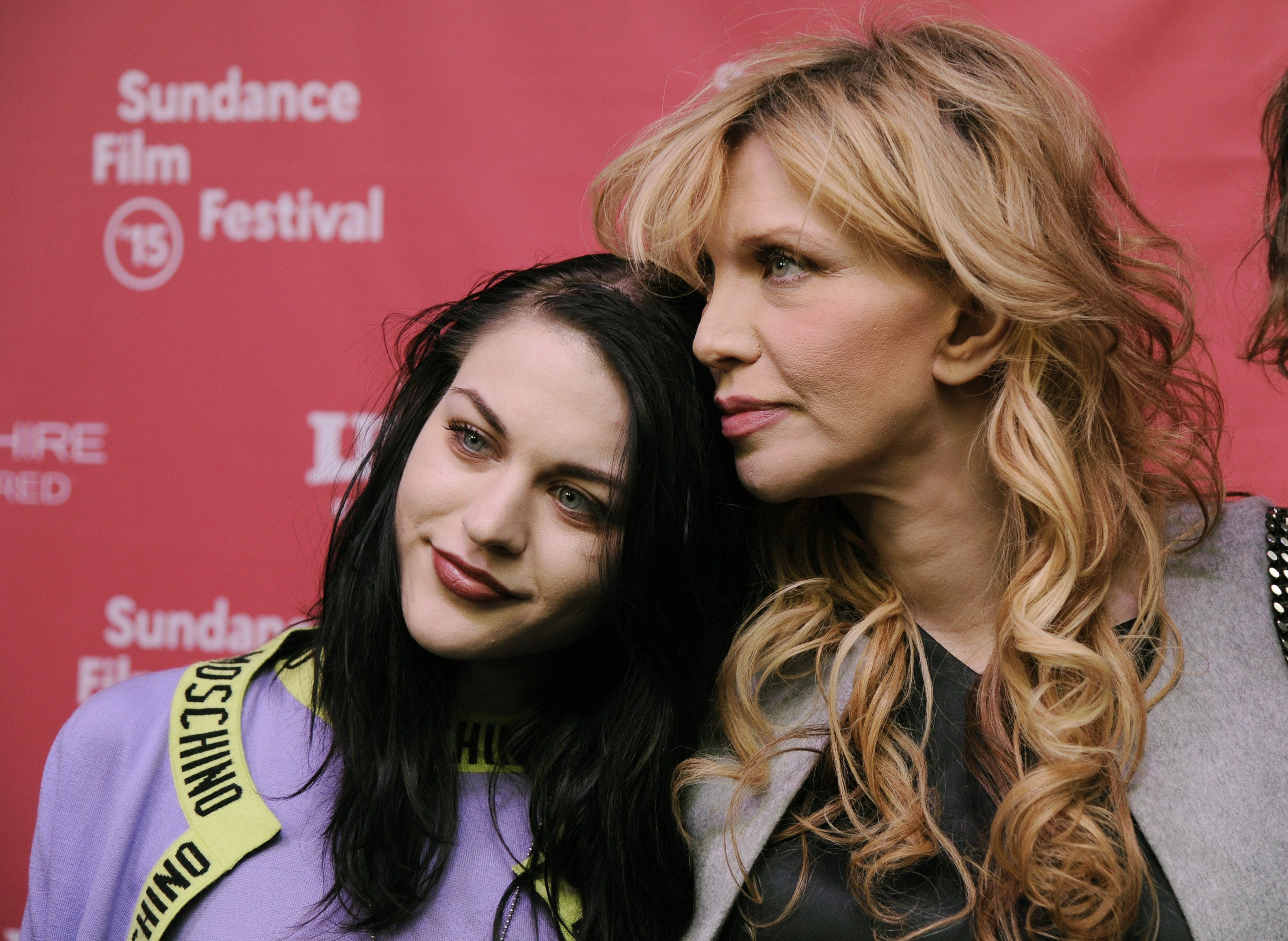 "Frances Bean und Courtney Love bei der ""Montage of Heck""-Premiere."