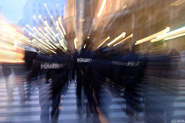 Drei Wiener Polizisten sollen Studenten misshandelt haben