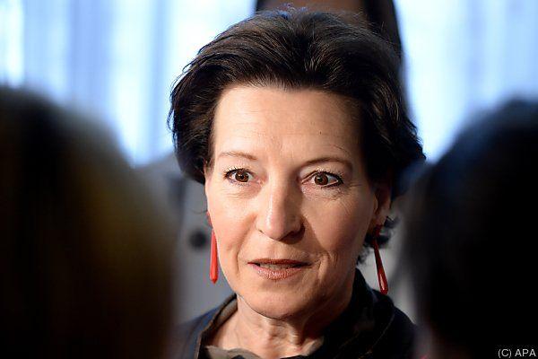 Bildungsministerin will Zentralmatura nicht dem Bifie überlassen