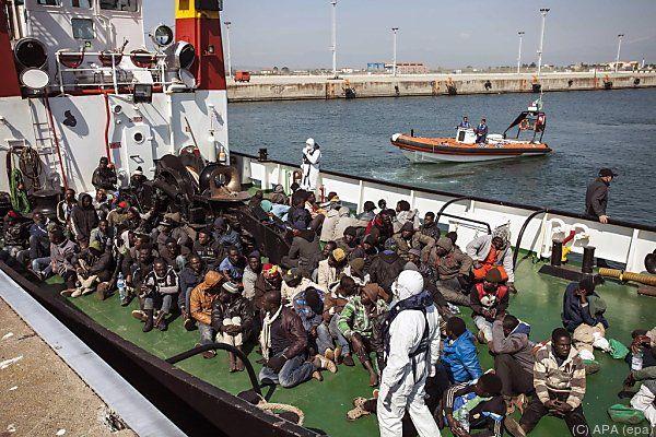 Flüchtlingsstrom hält an
