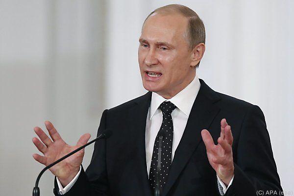 Der Staatschef feierte 25. Jahrestag der Unabhängigkeit Russlands