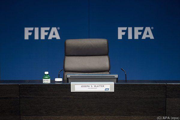 Blatter will seinen Präsidentenstuhl nun doch räumen