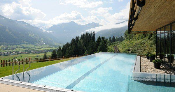 das sind die 15 sch nsten hotels mit infinity pools reise national vienna at. Black Bedroom Furniture Sets. Home Design Ideas