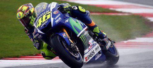 """Der """"Doktor"""" hat Sprechstunde - Rossi siegt im Silverstone-Regen"""