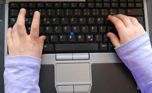 Viele junge User sind von Cybermobbing und Sexting betroffen
