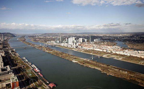 Passanten entdeckten mehr als 100.000 Euro in der Neuen Donau in Wien