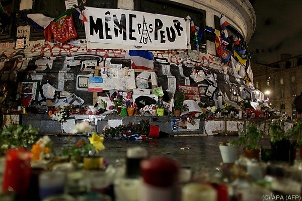 Gedenkveranstaltung auf dem Platz der Republik