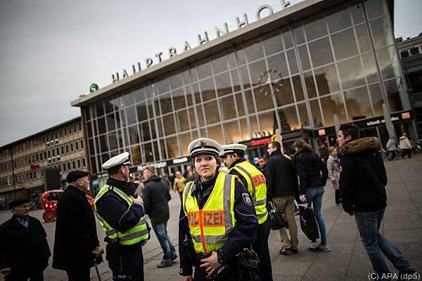 Der Polizei wird unterlassene Hilfeleistung vorgeworfen