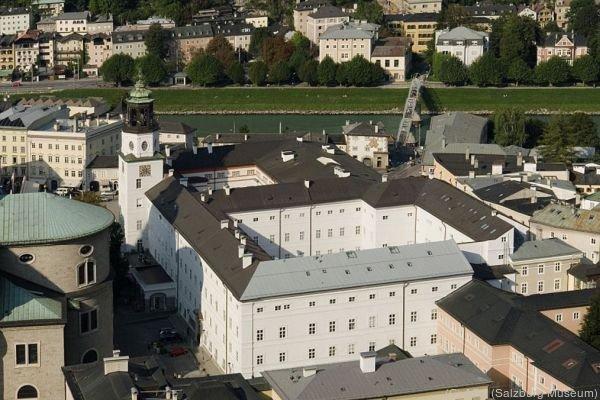 Neue Ausstellungem in Salzburg selbst , aber auch im Louvre