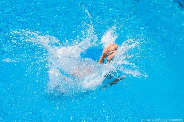 Benehmen im Schwimmbad löst Streit aus