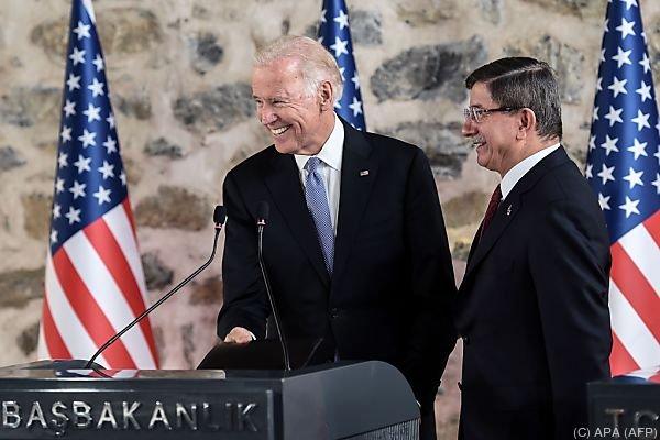 Davutoglu empfing Biden in Ankara
