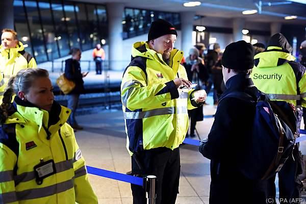 Flüchtlingen wird Bargeld künftig abgenommen