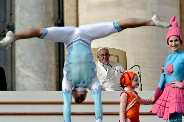 "Papst dankte den Artisten: ""Schönheit bringt uns Gott näher"""