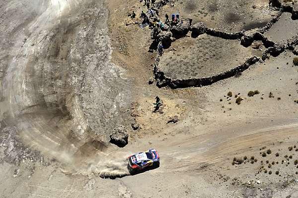 "Loeb greift schon in seiner ersten ""Dakar"" voll an"