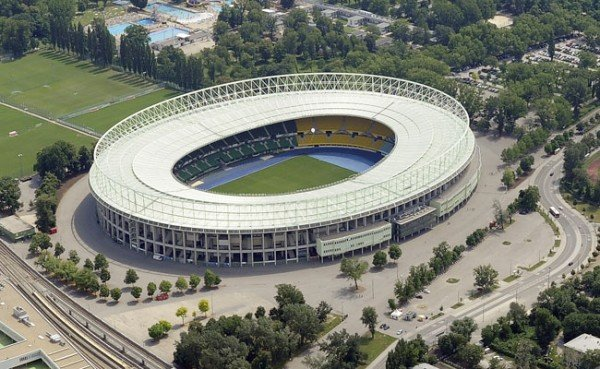 Beim Wiener Ernst Happel Stadion kann günstig geparkt werden.