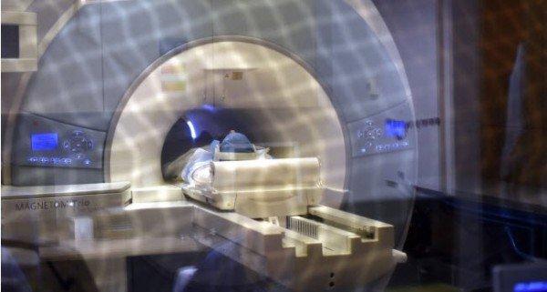 Bei dem Unglück hatte sich ein Teil eines über der Frau hängenden Magnetresonanztomografen (MRT) gelöst.