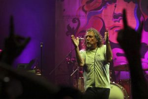 Robert Plant live in Wien: Ohne Led Zeppelin, aber mit Band