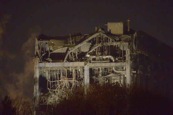 Vier Tote nach Einsturz von Kraftwerk in England befürchtet