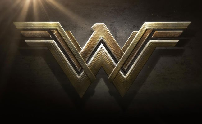Wonder-Woman-DC,-Warner-Bro