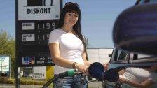 Autofahrer gaben vier Mrd. Euro für Tanken aus